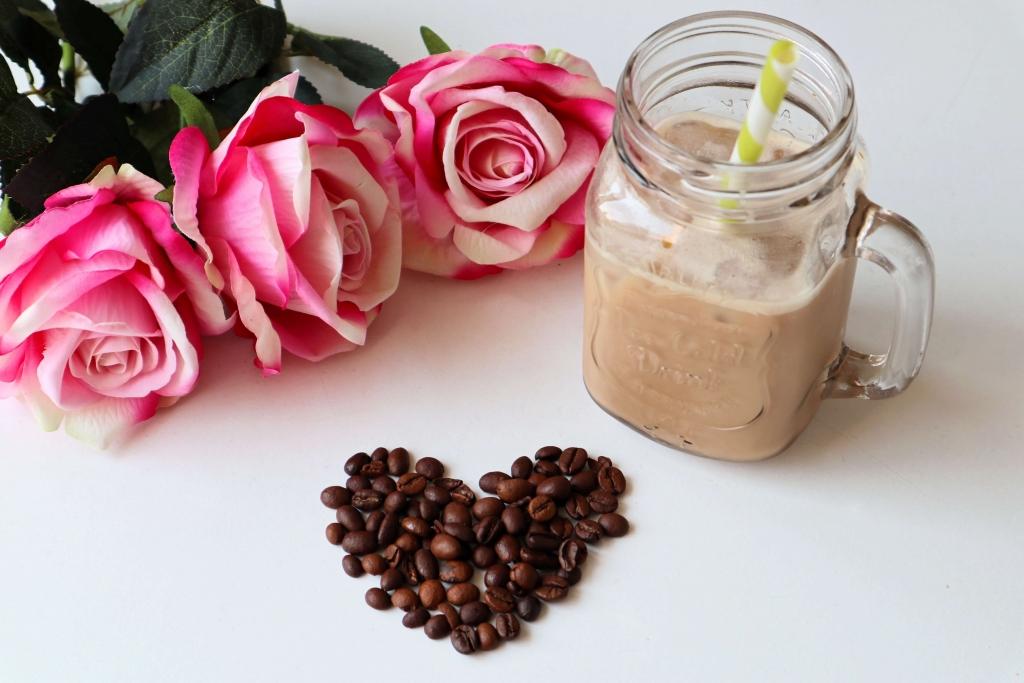 Ľadová káva - kávové srdce